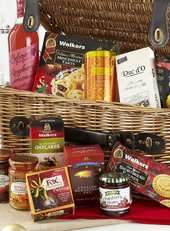 BHS Christmas food and drink hampers now up to 65% off