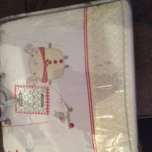 Mamas and papas whirligig cot quilt and pillowcase only £5.00 @ Tesco instore