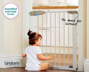 Lindam Baby Safety Gate at Aldi for £14.99 from Thursday 29th January.