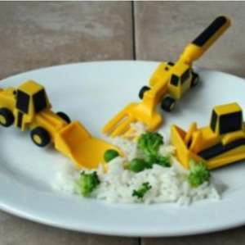 constructive eating cutlery set £11.95 & £3 p&p @  Tesco direct/Prezzybox