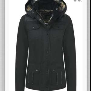 BARBOUR X LAND ROVER LADIES' GREENLEAK WAXED JACKET - BLACK £199.98 @ Country Attire