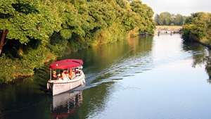Oxford River Cruise for Two £15 Using code GOLDEN10 @ Red Letter Days