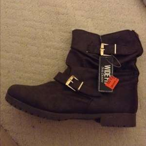 Brown sole desire wide fit boots £3.00 @ Primark