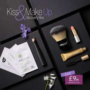 *** Makeup discovery box worth £45 for £9.95 delivered @ Naturisimo