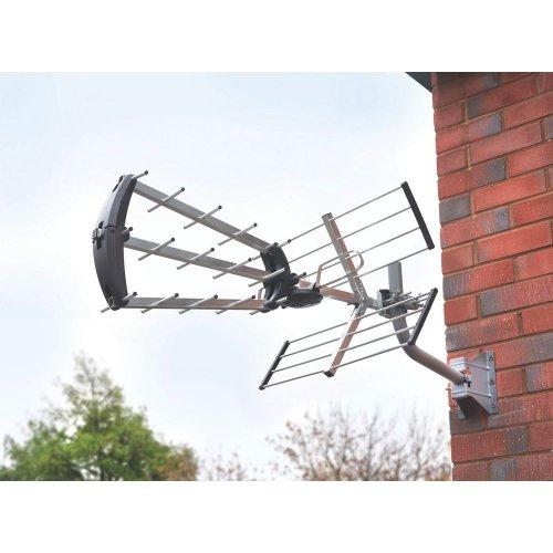 Labgear Compact Quick-Fix 48-Element High Gain Professional Aerial £15.98 @ Screwfix