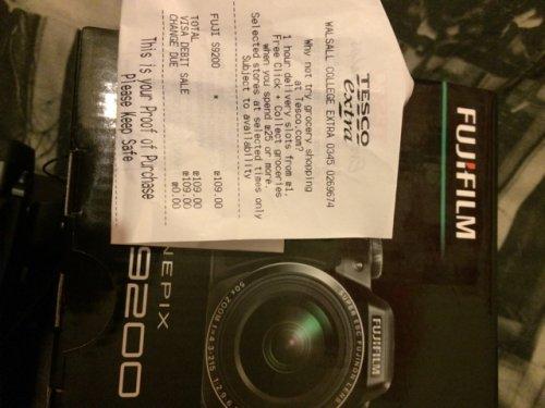 Fujifilm Finepix S9200 50x optical zoom £109.00 Tesco in store