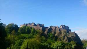 Visiting Edinburgh? Family Unlimited Travel Together DAYticket on Lothian Buses & Trams £8.50