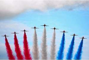 RAF RED ARROWS - Southport Airshow..say goodbye to the Vulcan Bomber