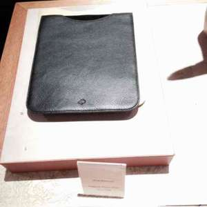 Mulberry IPad Sleeve (iPad 1&2) Reduced from £165.00 to £30 @ Mulberry Outlet
