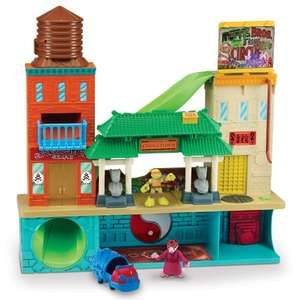 Half shell heroes super sewer headquarters with Mikey and splinter £36.49 @ Amazon
