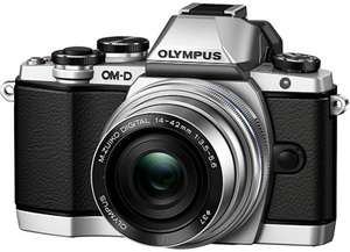 Olympus OM-D EM10 with Power Zoom Pancake M.Zuiko Digital ED 14-42mm 1:3.5-5.6 EZ Lens - Silver/Silver £355 @ Amazon