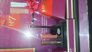 Free Gift Set with any 2 No7 make up in Boots