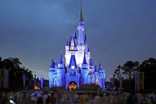 London to Orlando, Florida, Return flight £351  @ lastminute.com