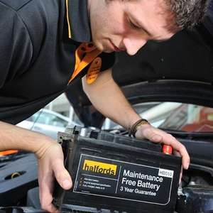 15% off Bulbs, Blades & Batteries this winter @ Halfords with O2 Priority