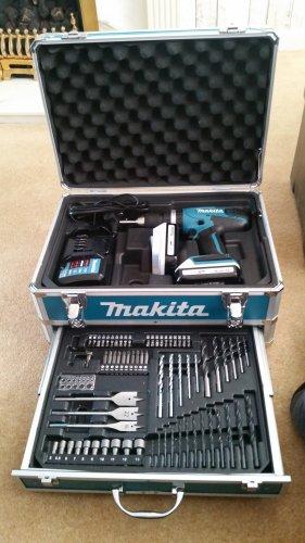 makita drill set £130 @ B&Q (Stockport)