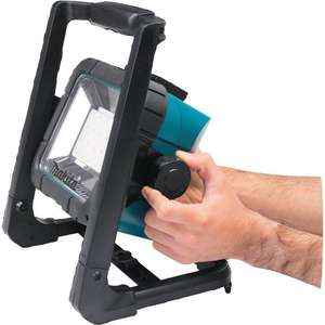 Makita DML805 18 V LXT Mains or Li-Ion LED Work Light (Body Only) £26.70 @ Amazon Germany