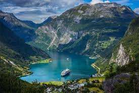 Sailing from London: Week Long May Norwegian Fjords Cruise £379.05 @ Planet Cruise