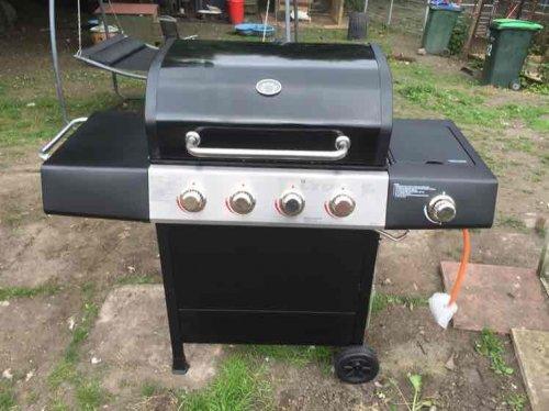4 burner gas bbq with side burner £150 @ Wilko