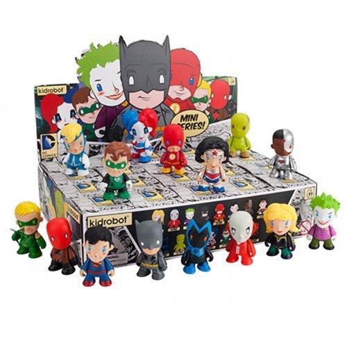 GET A KIDROBOT DC COMICS MINI FIGURE FOR FREE! CODE   @ Geekbox   (£2.99 P&P payable)
