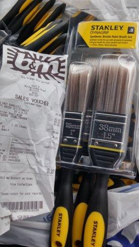 Stanley Dynagrip 3 Pack Paint Brush Set 10p B&M
