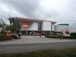 B&Q Altrincham closing down at least 10% off everything in-store