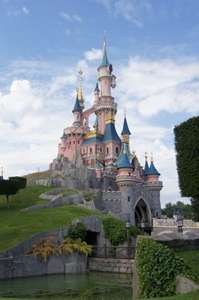 Manchester to Disneyland Paris – October (4 nights) – £239pp – inc. Flights, Park Tickets, Apartment & Transfers £953 @ Skyscanner