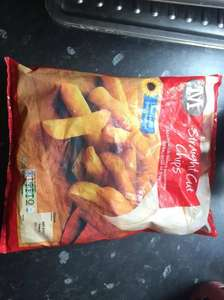 Straight cut chips 900g now reduced to clear 25p - Morrisons (Banbury)