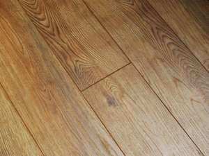 Natural oak 8mm hand-scraped Laminate flooring