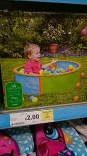 Child pop up ball pit - Tesco Bournemouth