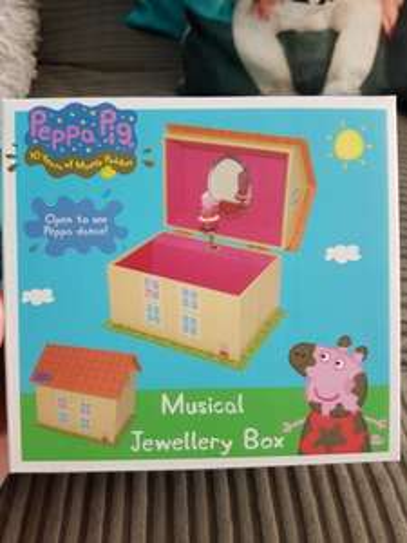 peppa pig musical jewellery box £3.99 Home Bargains