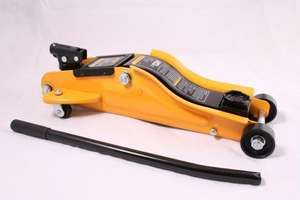 Halfords 2 Tonne Trolley Jack Low Profile Reduced from £50
