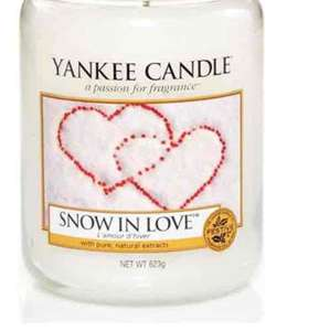 Yankee Candle large jar Snow in love £14.95 Prime / £19.70 Non Prime @ Amazon
