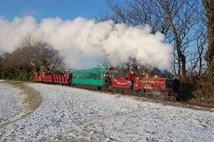 Christmas miniature steam train ride with food, drink & personal present off Father Christmas and grotto £11 per child & 1 adult free @ Rhyl miniature railway