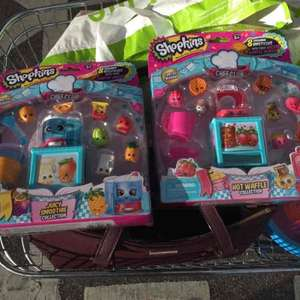 Shopkins chef club deluxe food packs-hot waffle collection and juicy smoothie collection £6.50 in store Asda