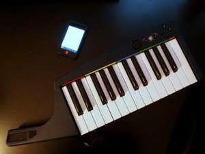 Ludicrously low price for a quality 25key MIDI Controller (Rockband 3 Wii Keytar but works as a keyboard for your music software via MIDI) £7.99 @  rscommunications / Ebay