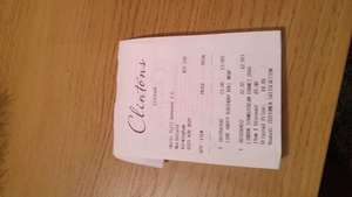 Lindt Lindor Strawberries & Cream 200g £2.91 @ Clintons