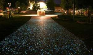 100,200 or 300 Pieces of Glow in the Dark Pebbles in White or Multicolour from £4.99 (Up to 75% Off) @ Groupon