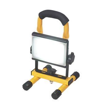 Portable led work light - Screwfix £9.99