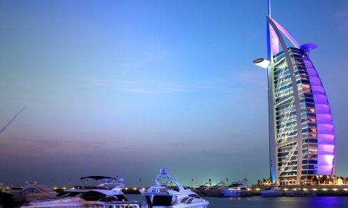 Manchester or London, UK to Dubai, UAE from only £239 return @ momondo