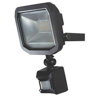 LUCECO GUARDIAN SLIM LED LED FLOODLIGHT & PIR BLACK 10W. Was £29.99 NOW £17.99 C&C Screwfix