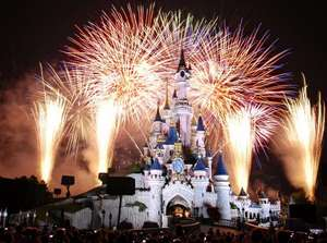 Disneyland Paris - Family of 5 including Eurotunnel and park passes for 3 days staying at Davy Crocket Lodges for £493 total @ Magic breaks