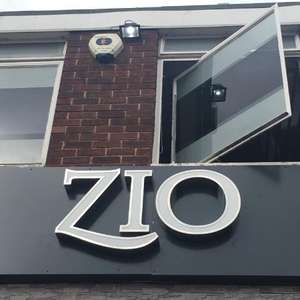 Free 3 Course Meal, Wine & Entertainment For The Homeless Or Lonely @ Zio In Leeds On Christmas Day (12pm-4pm)