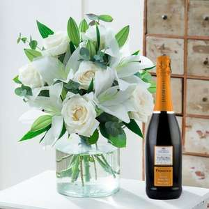 £15 off with code ' WINE15 at blossoming gifts. Shown £22.99 delivered including prosecco