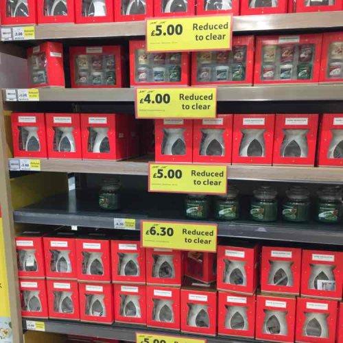 Tesco - Yankee Candle Xmas items £4 - instore - holmbush