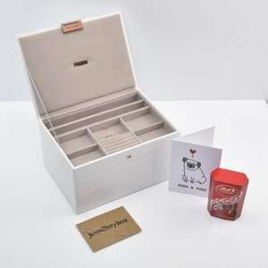 Valentines Gift: Jewellery box, 2 bracelets, a box of chocolates and a card! £54.95 @ Stackers