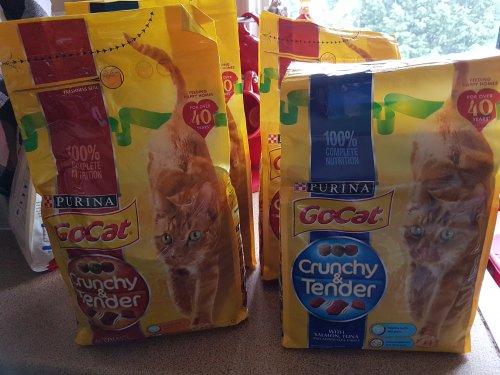 1.5kg GoCat Crunchy & Tender 2 for £7 Asda instore
