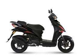 KYMCO RS50 SCOOTER MOPED, RIDE ON CAR LICENCE IF PASSED TEST PRE 2001.  £1499 KYMCO UK