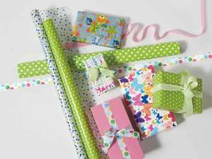 MELINERA Quality Wrapping Paper several designs 80gsm and 5m long .99p @Lidl from 16th Feb