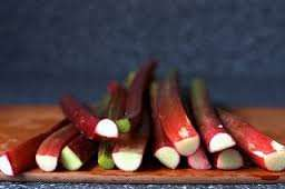Frozen Rhubarb 750g for £1.25 instore @ Farmfoods