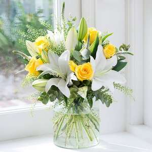 £15 off Buttercup Bouquet (Normally 39.99) now £24.99 @ Blossoming Gifts